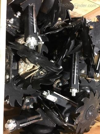 John Deere Screw adjust row cleaner