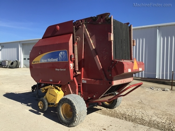 2014 New Holland BR7070 Image 5