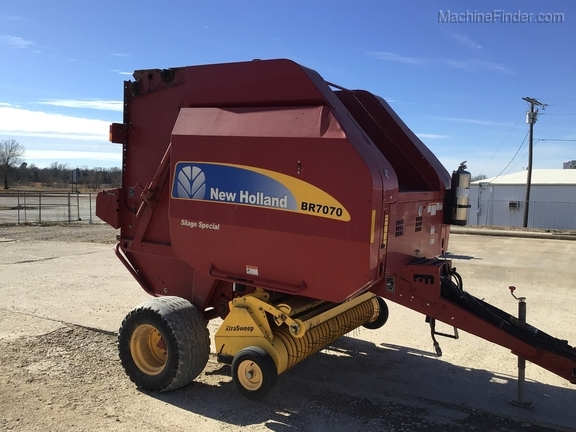 2014 New Holland BR7070 Image 8