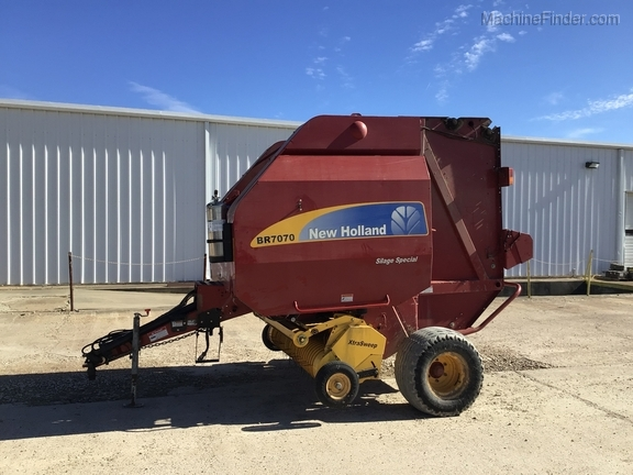 2014 New Holland BR7070 Image 1