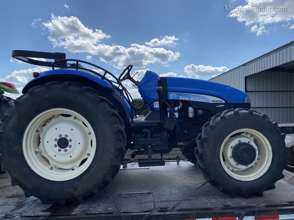 2011 New Holland TD5050 Image 2