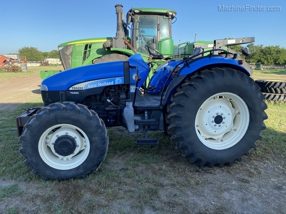 2011 New Holland TD5050 Image 3