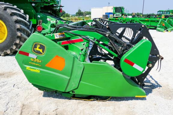 2004 John Deere 635F-3