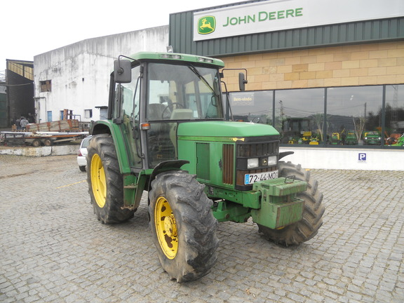 John Deere 6110
