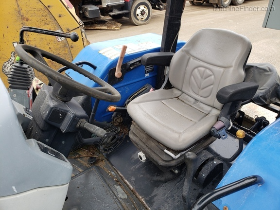2008 New Holland T5040 Image 10