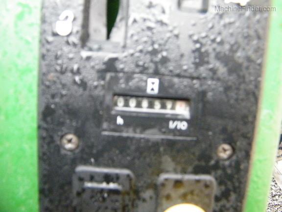 John Deere F735