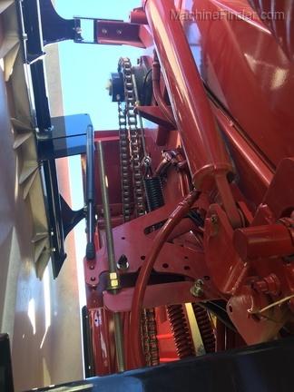 2015 New Holland ROLLBELT 550