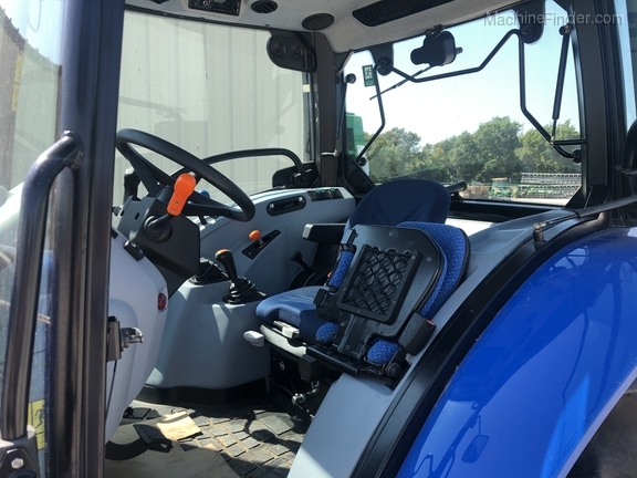 2019 New Holland Workmaster 65 Image 2