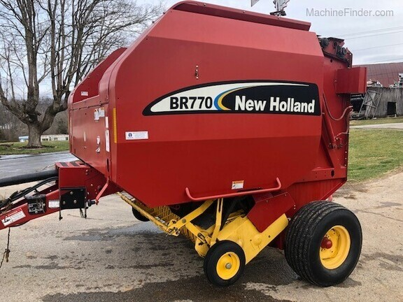 2005 New Holland BR770 Image 1