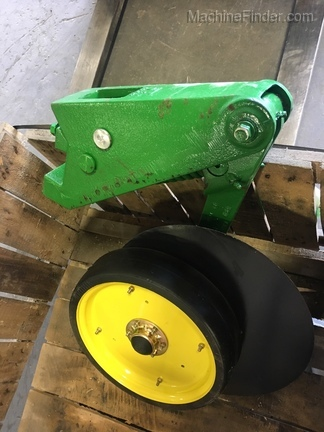 John Deere New single Disk fert opener 3x3