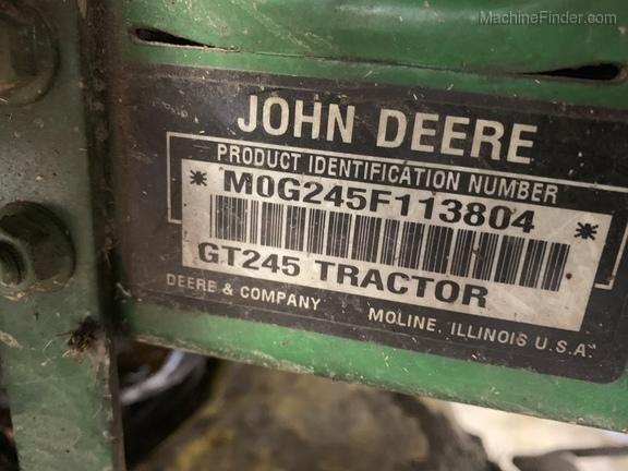 Photo of 2004 John Deere GT245