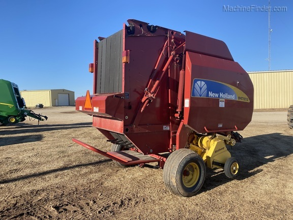 2014 New Holland BR7070 Image 3