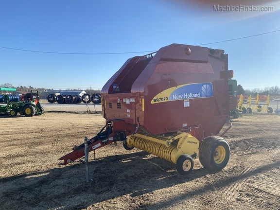 2014 New Holland BR7070 Image 7