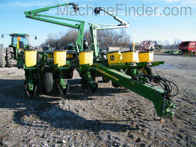 John Deere 1760 Planters Drawn For Sale 83995