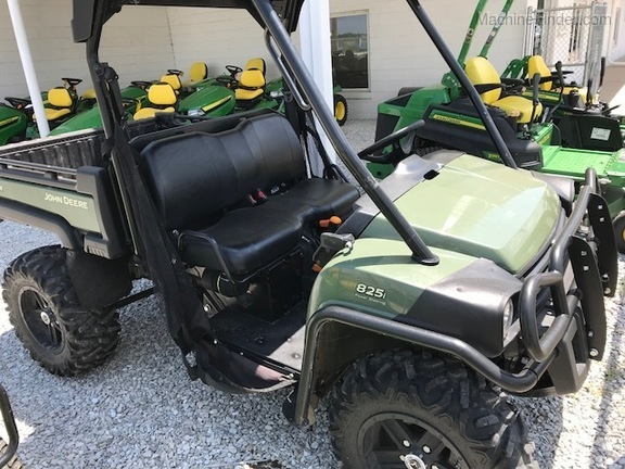 John Deere XUV 825i Power Steering
