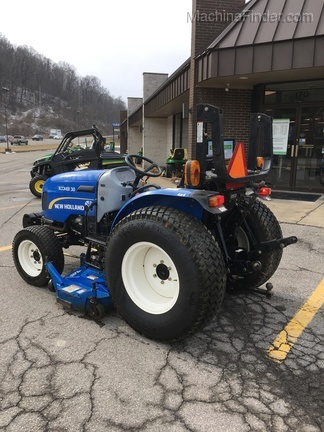 2012 New Holland Boomer 30