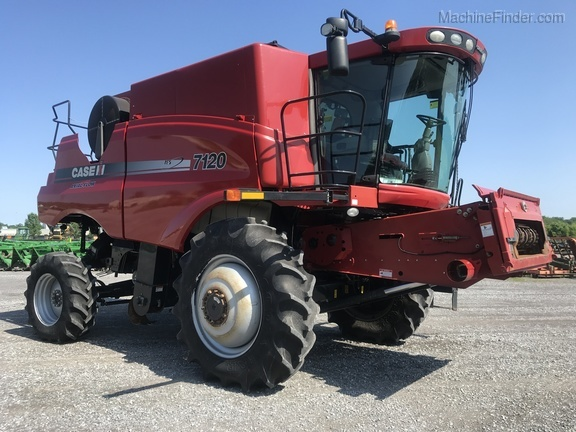 Photo of 2011 Case IH 7120