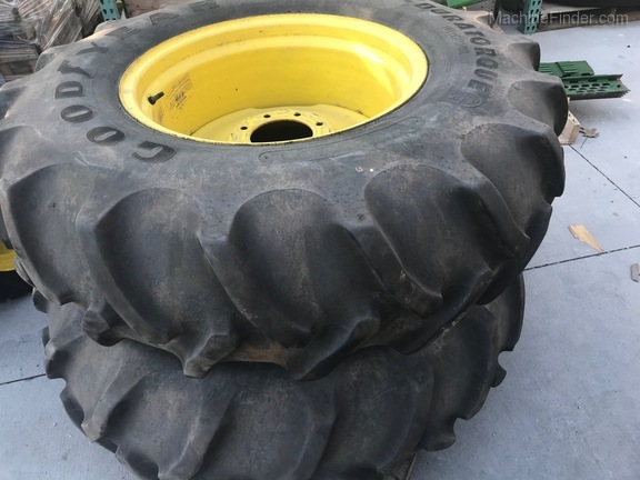 John Deere 14.9-24 TIRES & WHEELS