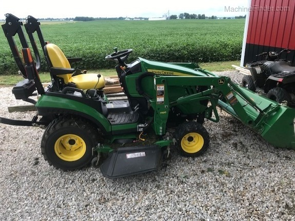 Photo of 2015 John Deere 1025R