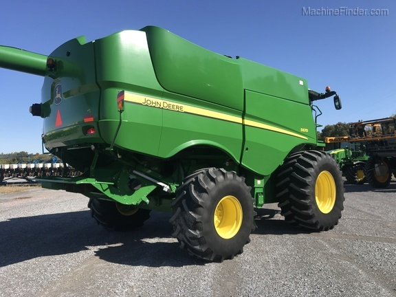 Photo of 2012 John Deere S670