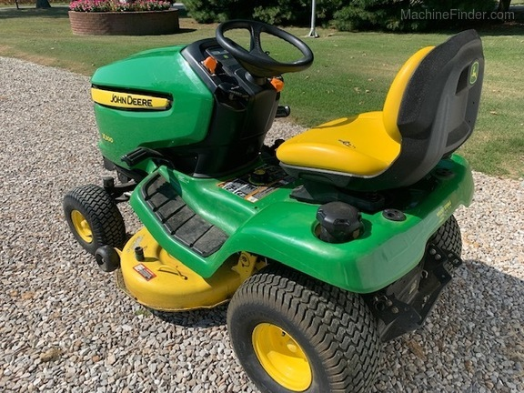 Photo of 2011 John Deere X300