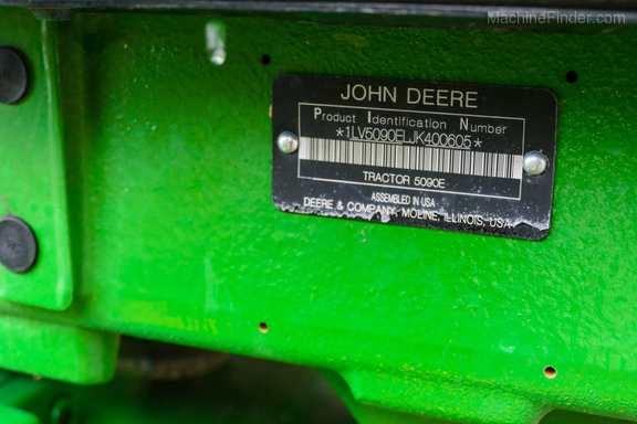 2019 John Deere 5090E-31