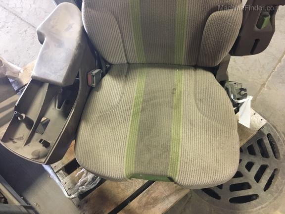John Deere AH227974 OPERATORS SEAT