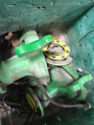 John Deere 2wd rear spindle set - 70sts & S series