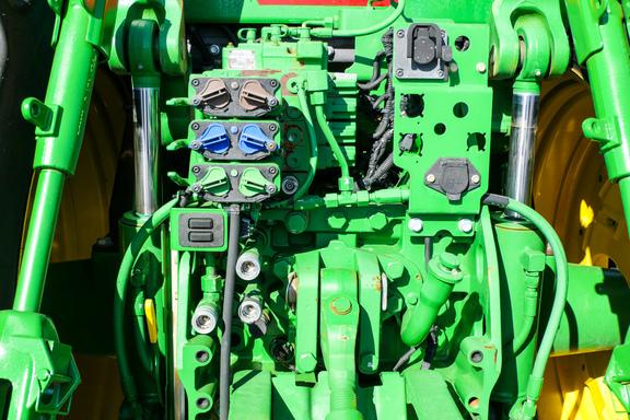 2012 John Deere 7200R-28