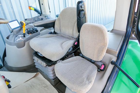 2012 John Deere 7200R-10