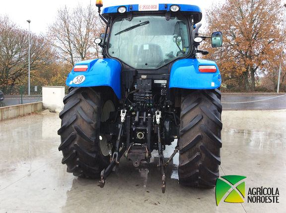 New Holland T 7210