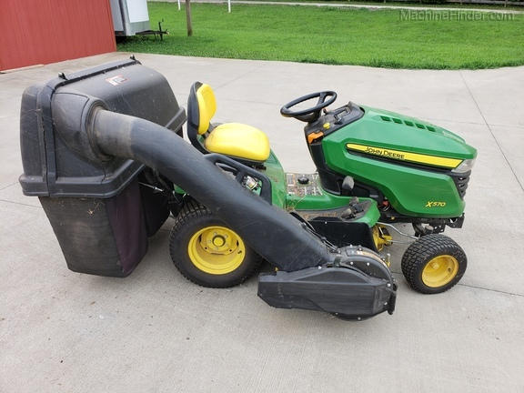 Photo of 2017 John Deere X570
