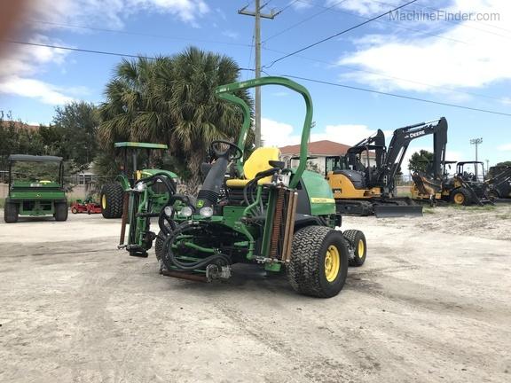 Pre-Owned John Deere 7500 Fairway Mower in Boynton Beach, FL Photo 1