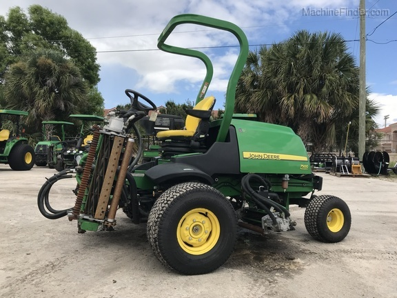 Pre-Owned John Deere 7500 Fairway Mower in Boynton Beach, FL Photo 2