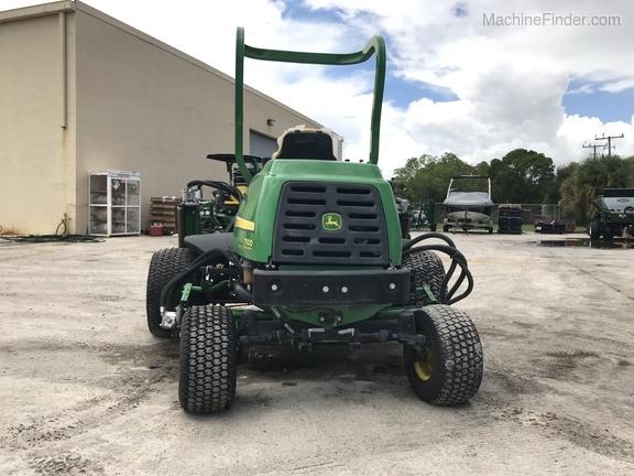 Pre-Owned John Deere 7500 Fairway Mower in Boynton Beach, FL Photo 4