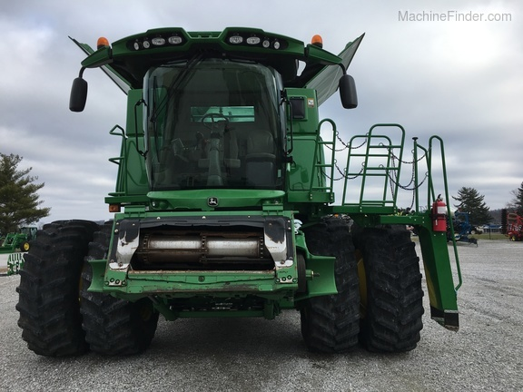 Photo of 2013 John Deere S680