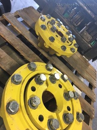 John Deere 480/80R38 Tractor duals w/ hubs