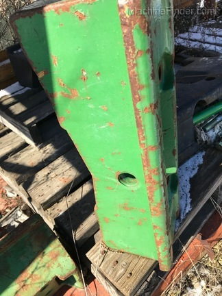 John Deere L35460  FRT WEIGHT SUPPORT