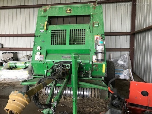 2016 John Deere 854 Silage Special Image 2