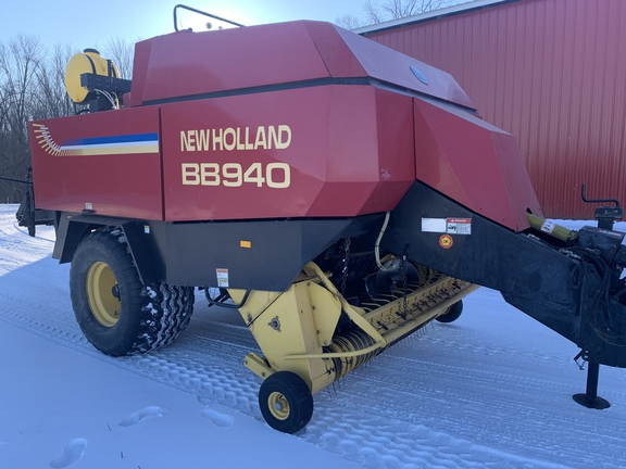2000 New Holland BB940S Image 5