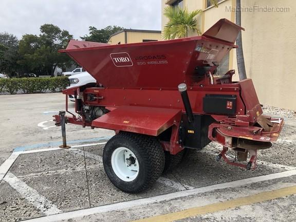 Pre-Owned Toro ProPass 200 Wireless Topdresser in Boynton Beach, FL Photo 1