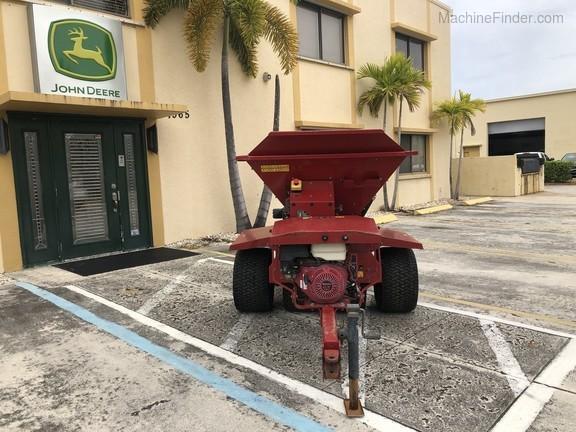 Pre-Owned Toro ProPass 200 Wireless Topdresser in Boynton Beach, FL Photo 5