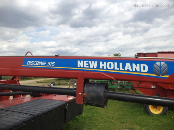 2015 New Holland 316 Image 5