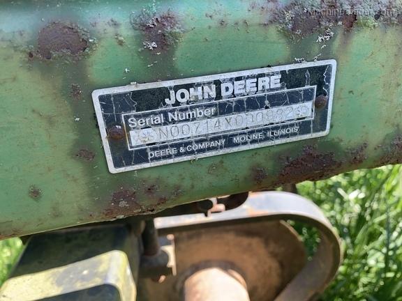 Photo of 1989 John Deere 714