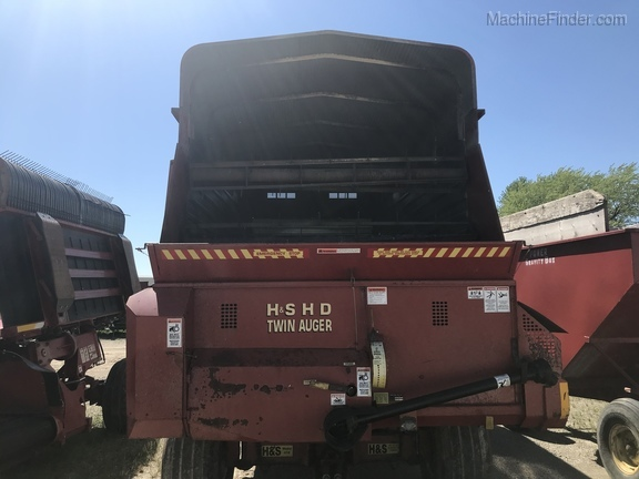 2002 H&S Twin Auger HD Image 2