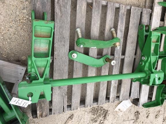 John Deere BW16349 - 500 CARRIER FOR H240