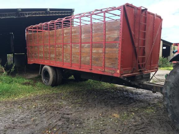John Deere 20 ft Livestock