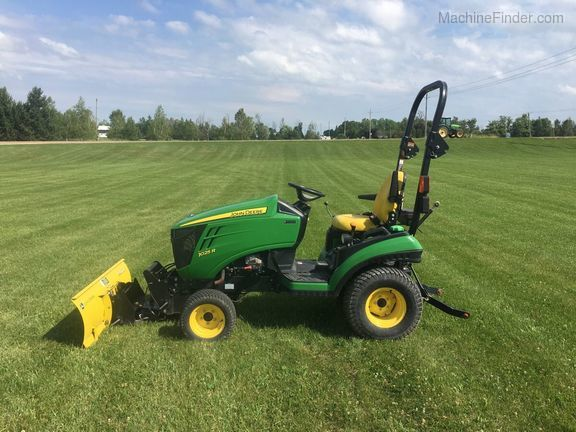 2014 John Deere 1025R - Compact Utility Tractors - Ospringe, ON