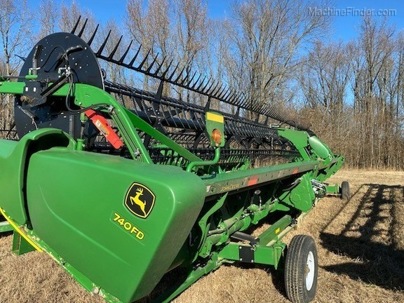 Photo of 2019 John Deere 740FD