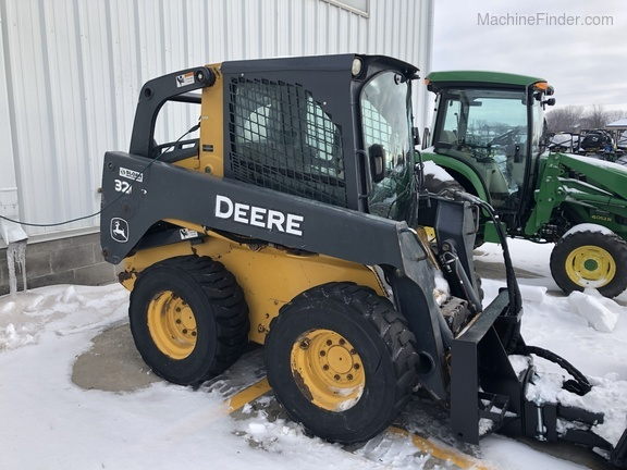 John Deere 320D
